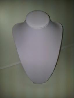 20140513 123832 - Бюст выставочный объемный, белый